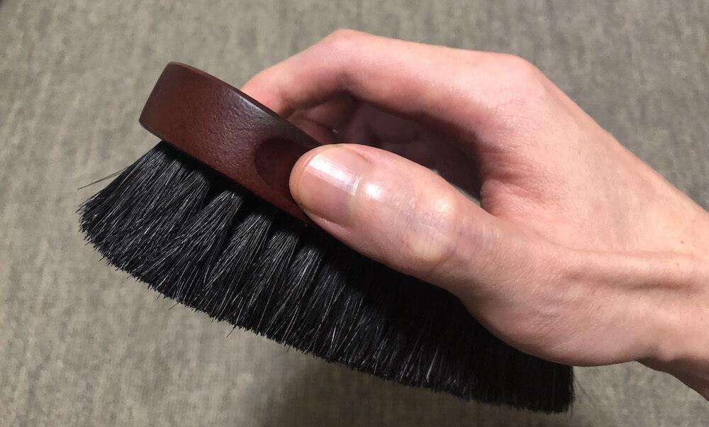 馬毛ブラシのブラッシング