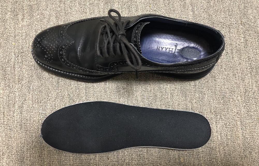 革靴とインソール