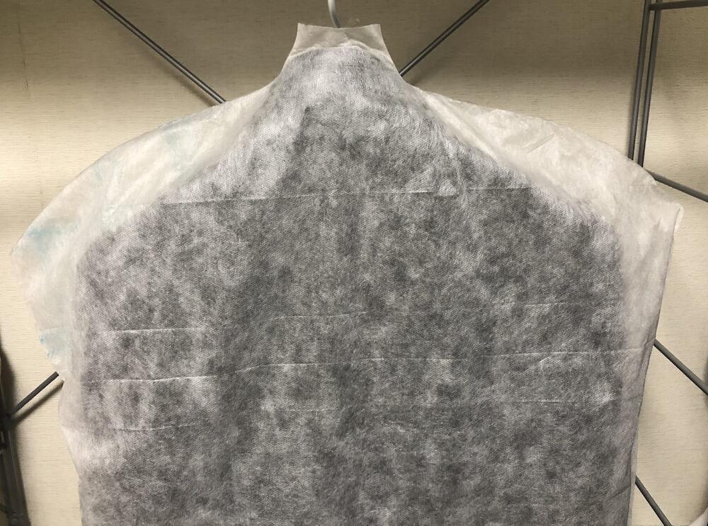 レザージャケットに不織布のカバー