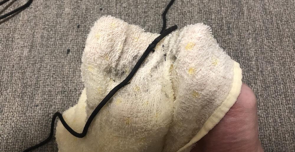 靴紐の汚れ