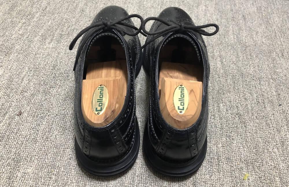 革靴の湿気を防ぐシューツリー